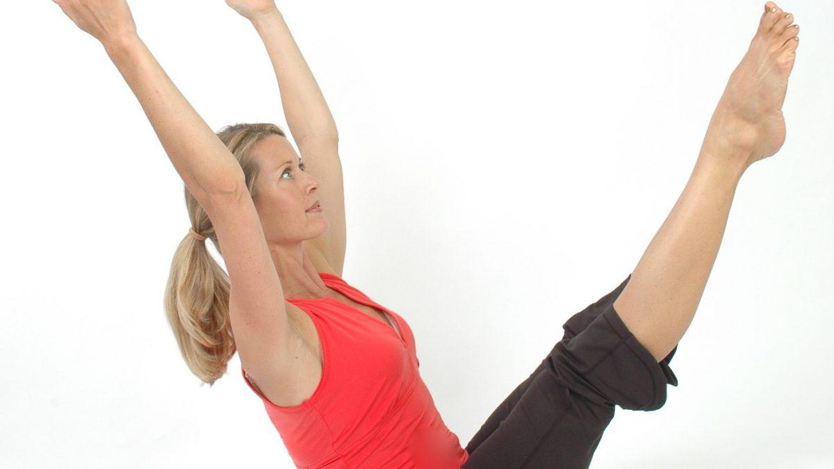donna che fa Pilates